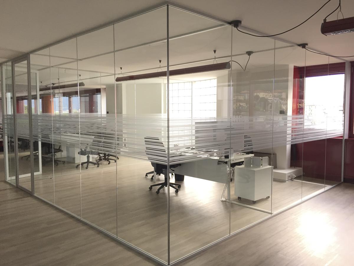 installatore 3M decoro vetro satinato