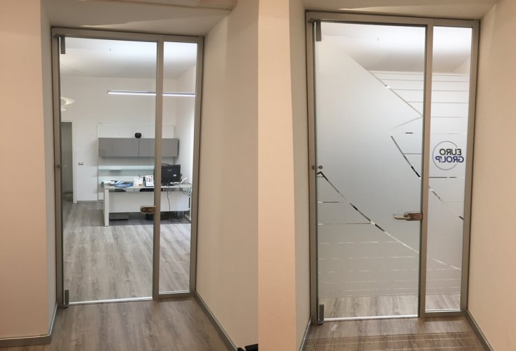 pellicole adesive per vetri 3M rivestimento porta ufficio