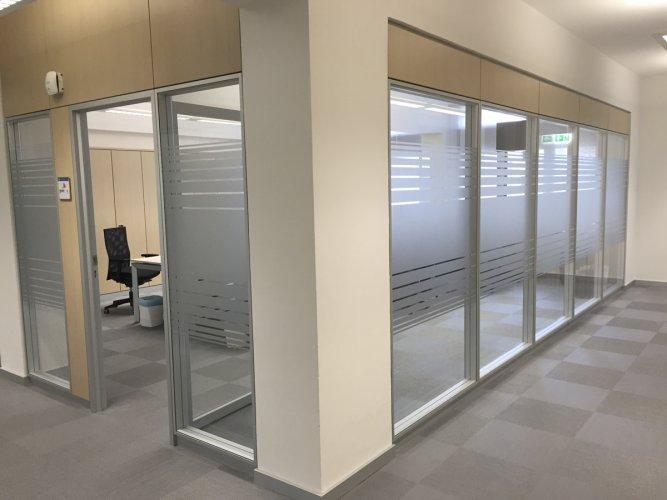 pellicole vetri rivestimento satinato vetrate uffici