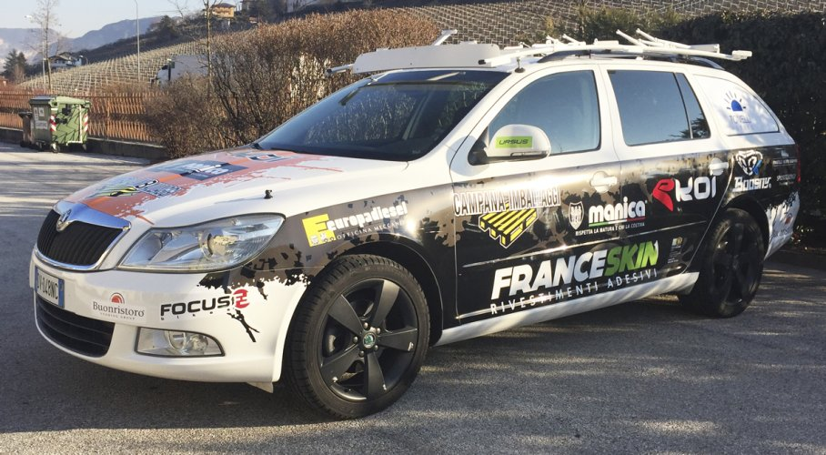 adesivi per auto personalizzati per sponsor